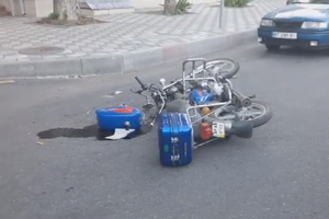 В Мелитополе мотоциклист оказался под колесами BMW: появились фото и видео