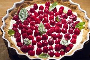 Рецепт дня: малиновый тарт с заварным кремом