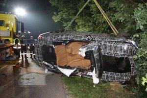 Видеошок: в Германии пилот разбил прототип BMW восьмой серии и убил будущую тещу