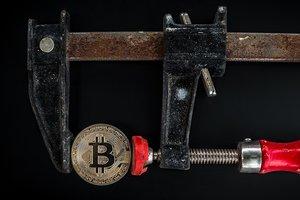 Один из крупнейших банков США ввел жесткий запрет по операциям с криптовалютой