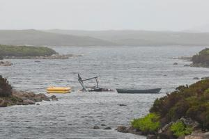 В Шотландии вертолет рухнул в озеро