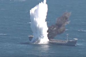 Видеошок: турецкая подлодка потопила танкер в Черном море