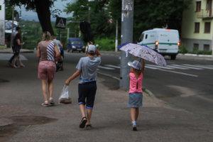 Непогода в Украине: без электричества остались почти 300 населенных пунктов