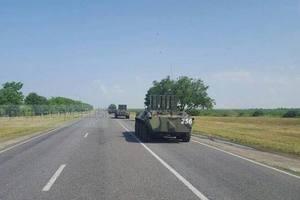 У границ Украины заметили колонну военной техники: появилось видео
