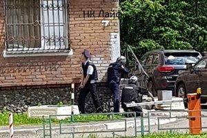 В России мужчина застрелил на улице бывшую жену, заперся в ее офисе и покончил с собой