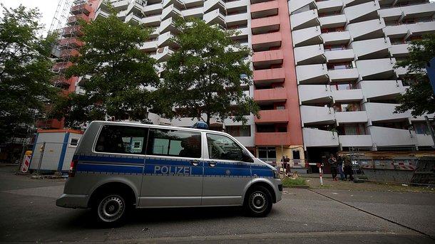 ВМюнхене неизвестный сножом убил человека иранил еще 3-х