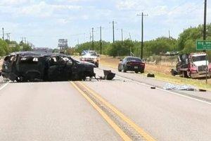 В Техасе перевернулся микроавтобус: есть жертвы