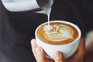 Растворимый и заварной, со сливками и без кофеина: что украинцам продают под видом кофе