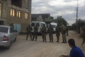 В Крыму оккупанты пришли с обысками к крымским татарам и увезли женщину