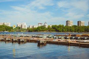 Где в Киеве взять напрокат лодку или катамаран: самые популярные места