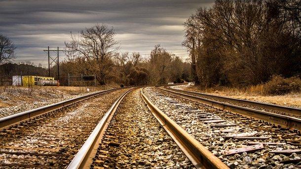 Встолице франции прервано движение поездов из-за рождения ребёнка уодной изпассажирок
