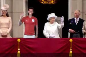 На балконе с королевой: в Англии уже отпраздновали победу на чемпионате мира 2018