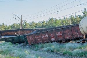 В Днепре сошел с рельсов товарный поезд: опубликованы фото