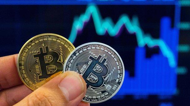 Стоимость биткоина упала до6,4 тыс. долларов