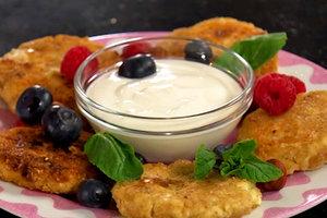 Лучшие рецепты: диетические сырники с изюмом