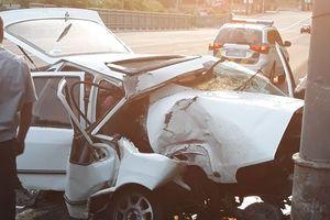 Заснул за рулем: в Киеве авто влетело в столб