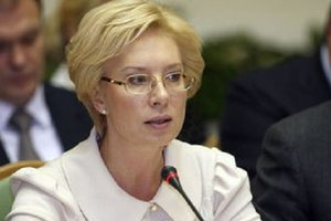 Отказывают все: Денисова обратилась к МККК по политзаключенным