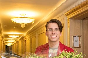 Максим Галкин показал, как дети поздравили его с днем рождения