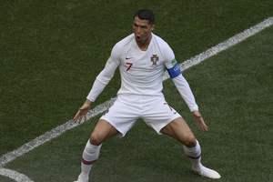 Португалия нанесла два удара в створ ворот Марокко и победила
