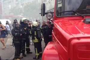 Сессия горсовета Харькове: погром, дымовые шашки и вице-мэр в мусорном баке