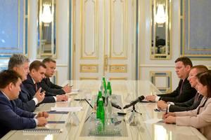 Порошенко встретился дипломатом из страны-члена НАТО: стало известно, о чем разговаривали