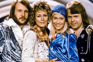 35 лет спустя: легендарная группа ABBA записывает новые песни
