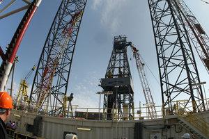 В мире резко упали цены на нефть
