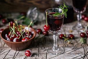 Быстрый рецепт вишневого ликера