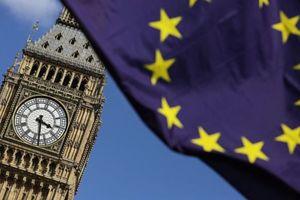 Два года Brexit: Великобритания не спешит выходить из ЕС