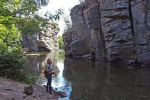 Увлекательная прогулка по Черкасской области: Букский каньон, готический замок в Леськово и Софиевский парк