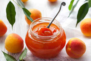 Как приготовить абрикосовое варенье с косточками