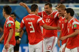 В победах сборной России засомневались: ФИФА призвали проверить команду на допинг