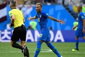 Система VAR в деле: в матче Бразилия - Коста-Рика впервые на ЧМ-2018 отменен пенальти