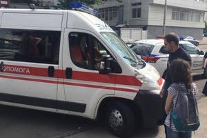 По Киеву гулял мужчина с разрезанным горлом