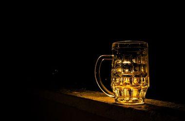 Заезжие футбольные фанаты спровоцировали проблемы с пивом в Москве