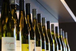 В Украине белорус получил тюремный срок за кражу тысячи ящиков алкоголя