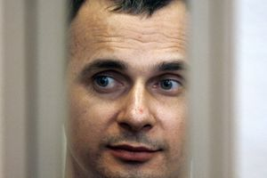 Главы МИД Канады и Латвии призвали освободить узника Кремля Сенцова