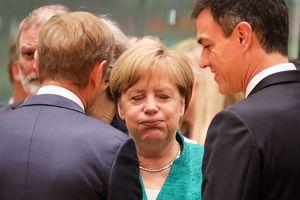 Лидеры ЕС всю ночь спорили о мигрантах: принято общее решение