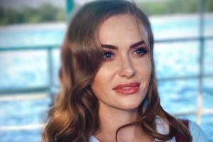 Слава Каминская показала умилительную фотосессию дочери в купальниках