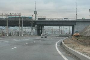 В Киеве хулиганы бросают камни с Дарницкого моста – соцсети