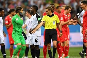 Команды могут получить право запрашивать просмотр повтора во время матча - Коллина