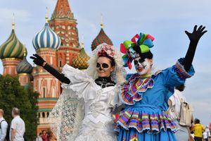 День мертвых прошел в Москве во время чемпионата мира по футболу