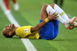 Могут обанкротиться: в пабе Рио решили наливать бесплатное спиртное за каждое падение Неймара