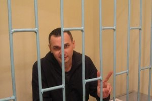 Адвокат рассказал, когда Сенцова могут начать кормить принудительно