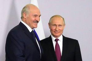 В Беларуси Путин популярней Лукашенко: оппозиционер объяснил причину