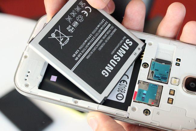 Қытайдан әкелінетін батерейкалардың ішінен ақпарт жинайтын құрылғылар табылған
