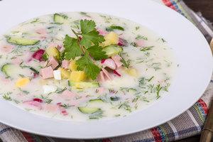 Как приготовить окрошку: ТОП-3 рецепта для летнего обеда