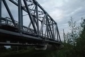 В Киевской области подросток погиб на мосту от удара током