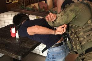 В Одессе арестовали банду грабителей: нападали на таксистов и прохожих