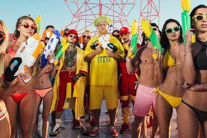 Жаркие танцы, девочки в бикини и бассейн: группа MOZGI выпустила новый зажигательный клип
